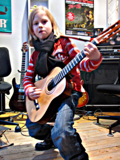 Musikinstitut, Musikschüler, Ben Kindermusikunterricht